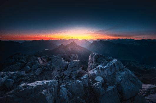 02 Mohnenfluh Sonnenaufgang 530x353 - Lech-Zürs am Arlberg