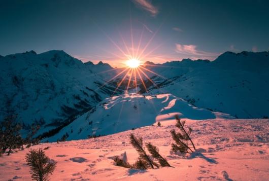 04 Zug Sonnenuntergang 530x357 - Lech-Zürs am Arlberg