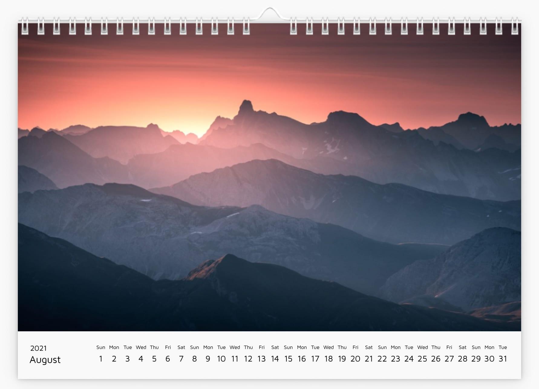 August - Calendar 2021