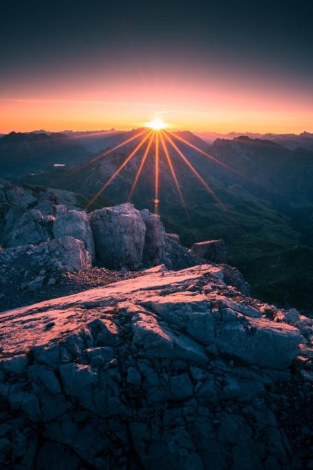 Mohnenfluh Sonnenaufgang 3 453x680 - Lech-Zürs am Arlberg