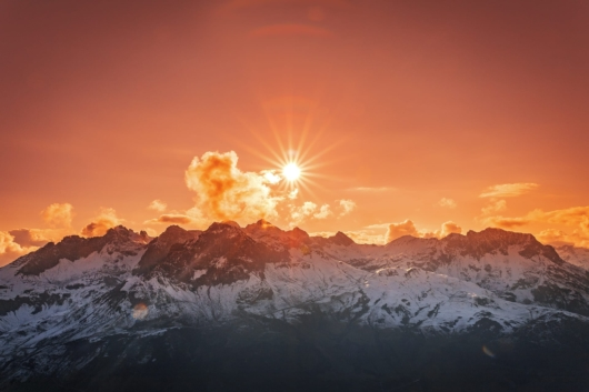 Sonnenuntergang in den Bergen 530x353 - Lech-Zürs am Arlberg